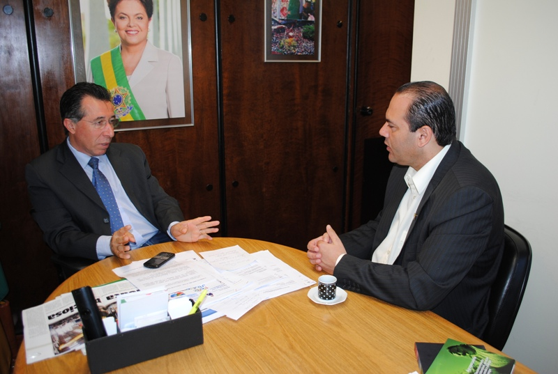 Reunido com o presidente da Câmara de Vereadores de Santa Maria, Marcelo Bisogno, para tratar sobre a defesa da Ferrovia Norte-Sul na região