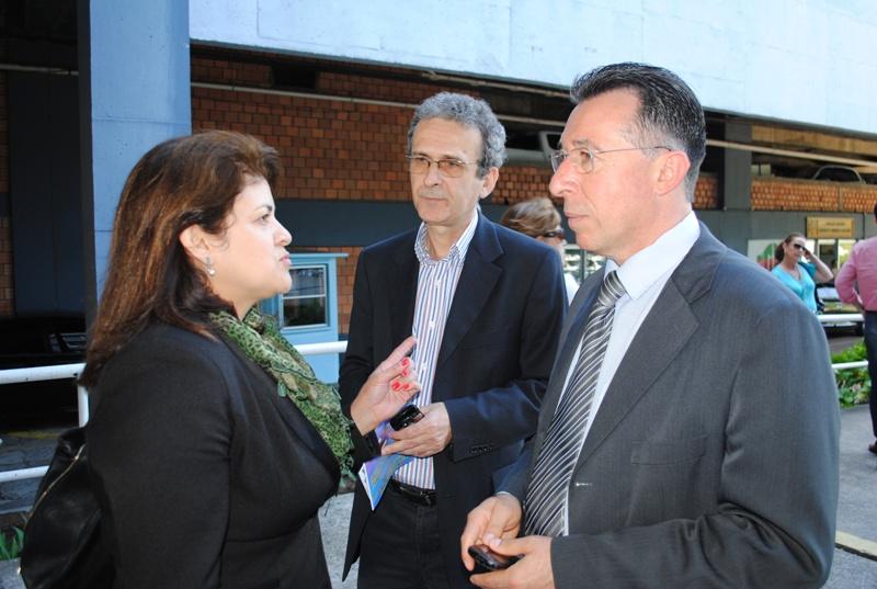 Troca de ideias com a companheira Helen Cabral e o meu chefe de gabinete, Genil Pavan