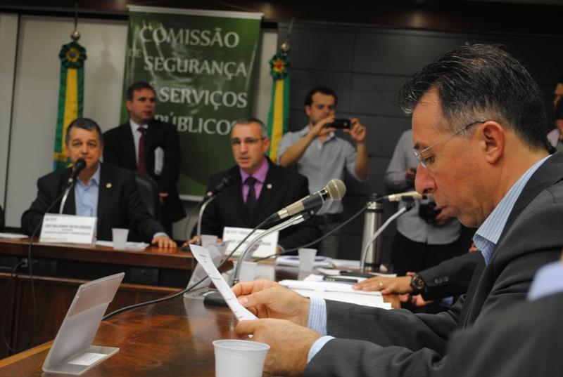 Acompanhando a aprovação do projeto na Comissão de Segurança e Serviços Públicos