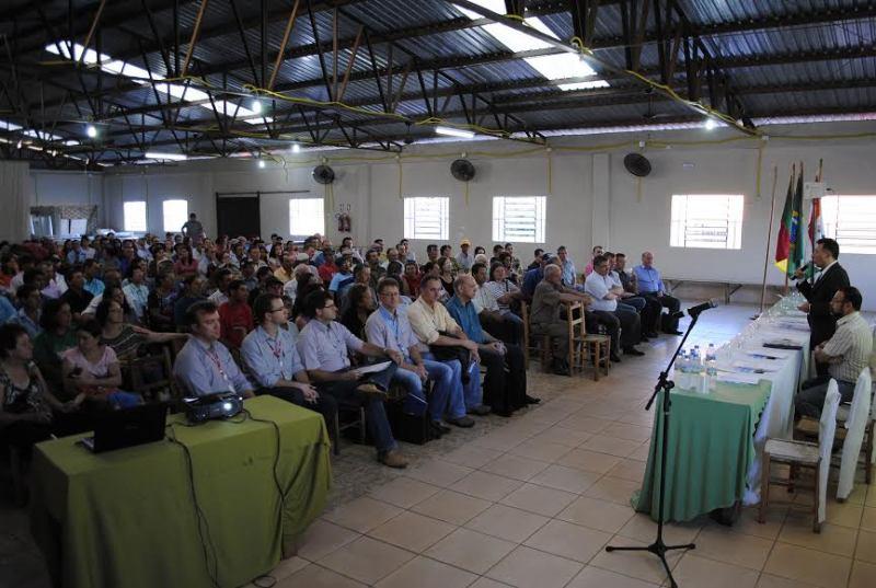 Grande público presente na audiência sobre a qualidade do fornecimento de energia elétrica nos municípios na Região Central