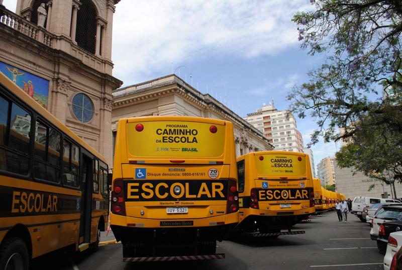 20131127 onibus transporte escolar