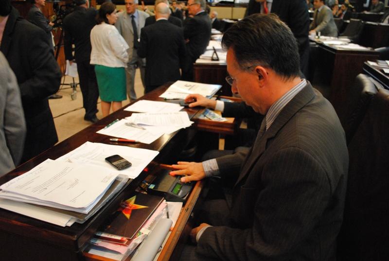 Deputado Valdeci vota a favor da valorização dos servidores do RS