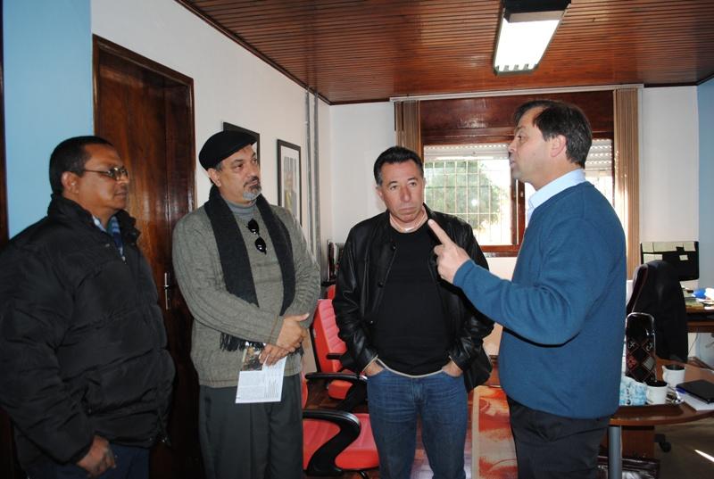 Candiota, administrada pelo prefeito Folador (na foto com Valdeci) é o primeiro município do roteiro
