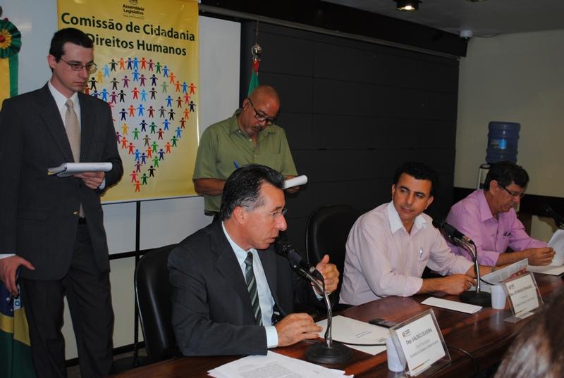 Valdeci defendeu aprovação do seu relatório sobre Casas da Solidariedade na Comissão de Direitos Humanos