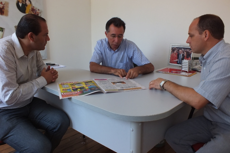 Valdeci com vereadores Marcelo Bisogno (PDT) e Luciano Guerra (PT)