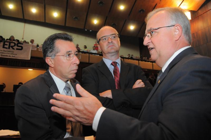 Valdeci discutirá aprovação dos projetos com todas as bancadas do Parlamento.