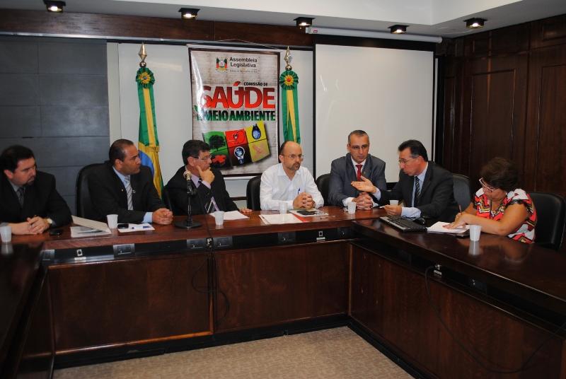 Diretor da Secretaria Estadual de Saúde reuniu-se com deputados e vereadores.