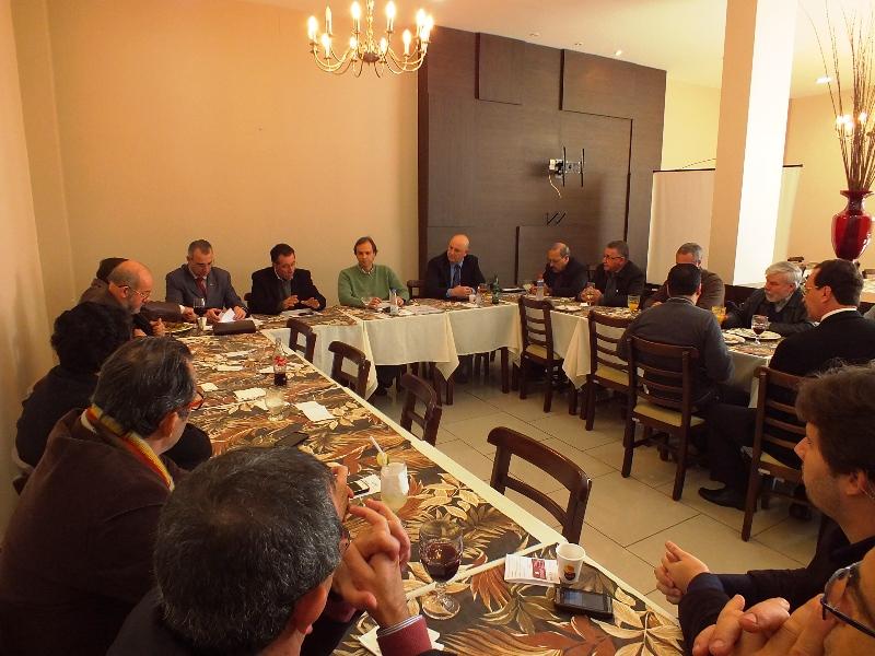 Valdeci participou da reunião do Fórum das Entidades Empresariais desta segunda