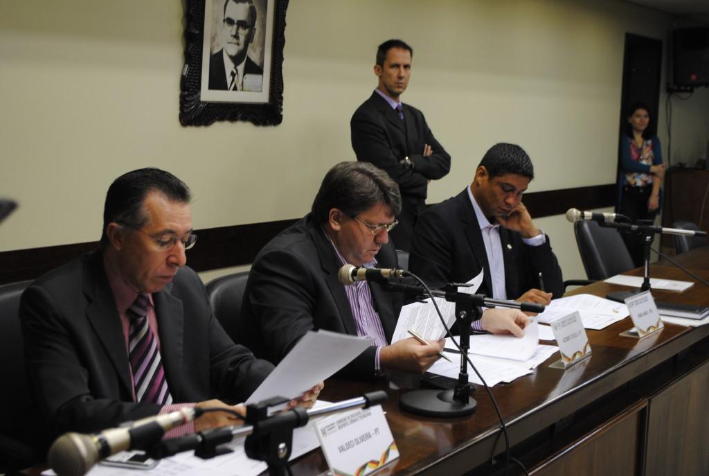 Reunião da Comissão de Educação nesta terça-feira (31)