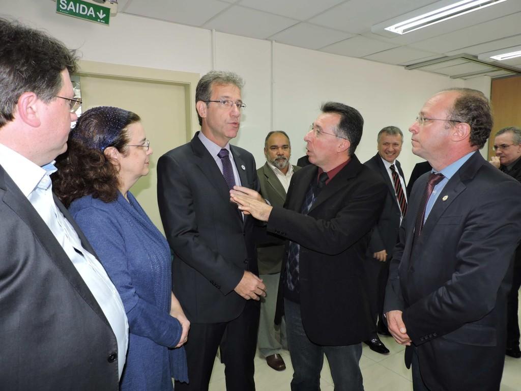 Valdeci e ministro Chioro encontraram-se em Porto Alegre, no sábado (9), durante solenidade no Grupo Hospitalar Conceição.