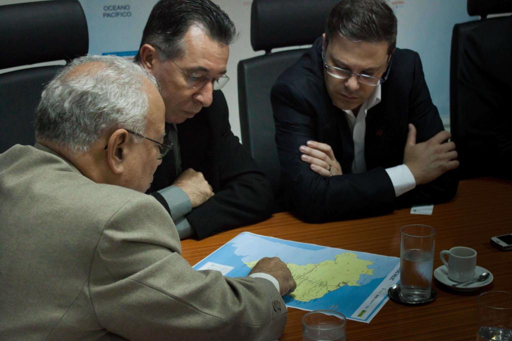 Valdeci esteve na sede da Valec Ferrovias S.A, em Brasília, no dia 12 de maio