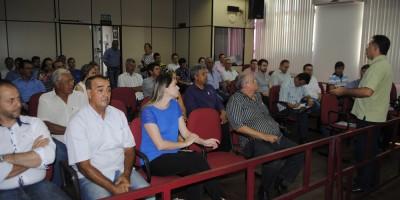 Valdeci no encontro regional de vereadores e deputados em São Pedro do Sul